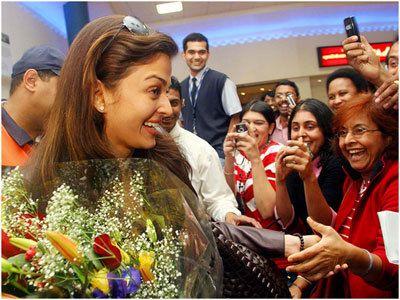Top 15 Aishwarya Rai Bachchan Without Makeup Pictures Shocking Aishwarya Rai Without Makeup Aishwarya Rai Without Makeup