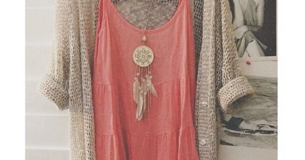 Coral and sand summer cardigan combination. Makes me think about the beach!