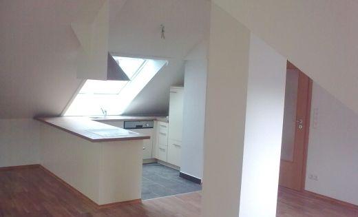 Dachbodenausbau Küche und Wohnraum mit Dachschrägen (nachher - k che mit dachschr ge