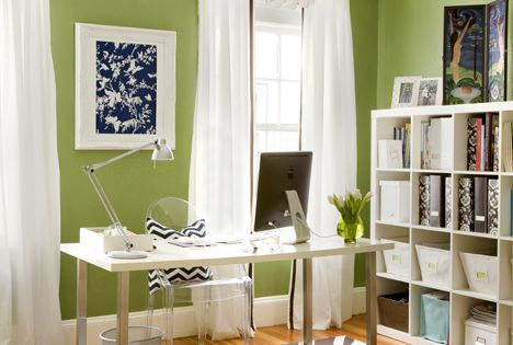 More black, white and green love! Loving the green wall color and