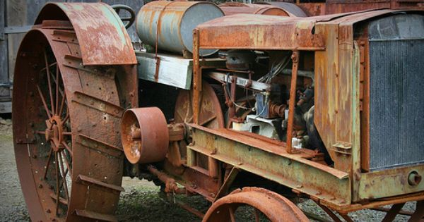 Pin By Gary On Vintage Tractors With Images Antique Tractors