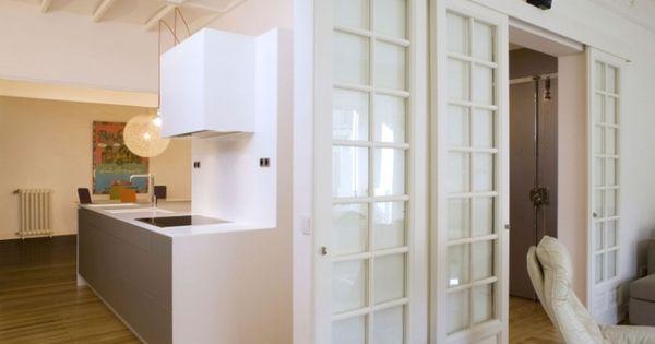 Traditionelle Schiebetur Mit Sprossen Aus Holz Und Glas Kuche Und Wohnzimmer Stoff Raumteiler Schiebetur