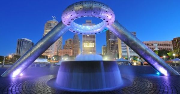 I Am Detroit Hart Plaza Fountain At Night Use Promo Code Pindetroit To Get 20 Off Your Purchase On Iamdetroitclothing Detroit Riverfront Detroit Riverfront