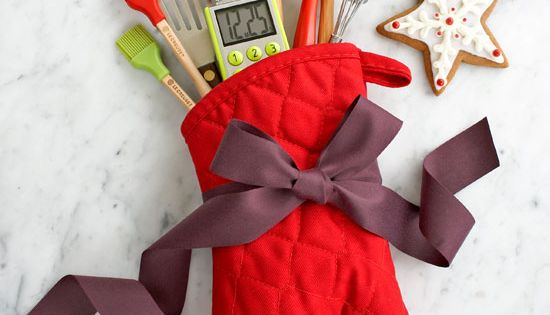 gorgeous housewarming gift idea! Elegant and Budget-friendly Gift Wrapping Ideas for Christmas