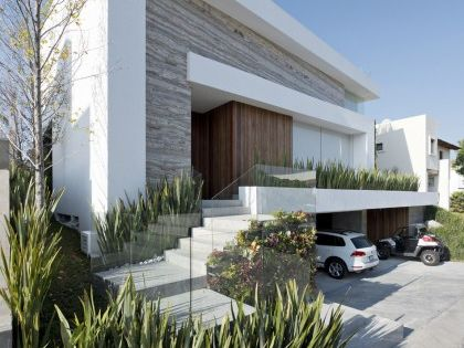 Fachada de casa moderna con s tano ideas para el hogar for Casa moderna jardin d el menzah