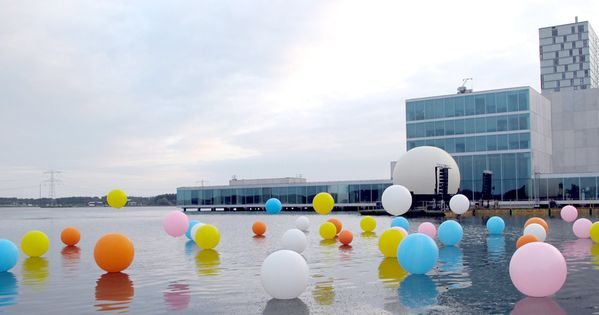 """Bubblegum"" Installation, balloons on water. In collaboration with artists Renee Reijnders and"