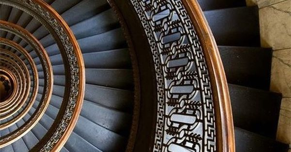 Spiral staircase stairway