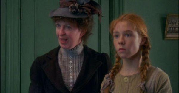 Mrs Hammond Y Anne Shirley En El Orfanato Anne Shirley Anne