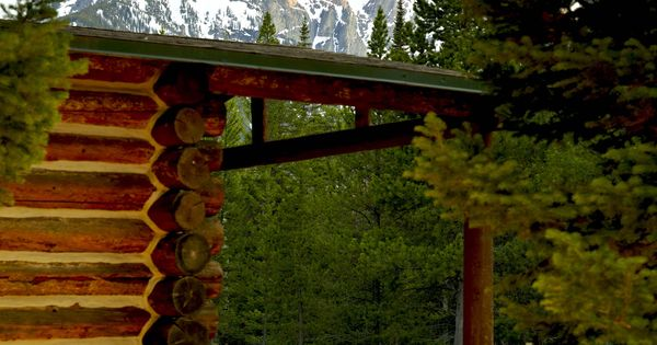 Accommodations at jenny lake lodge a wedding venue in for Jackson hole wyoming honeymoon cabins