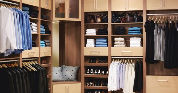 Chateau And Heritage Maple Master Closet A Creative Blend