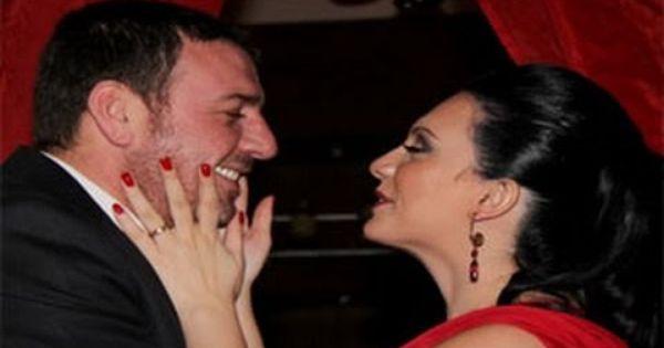 أجمل صور سلاف فواخرجي وزوجها وائل رمضان على انستجرام Youtube Music