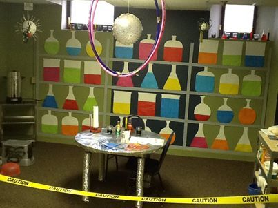 Wow What A Clever Way To Decorate Your Science Station