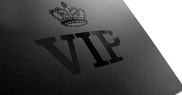 Pin By Tamara Neskoromenko On Vip Spot Gloss Business Cards Spot Uv Business Cards Spot Uv