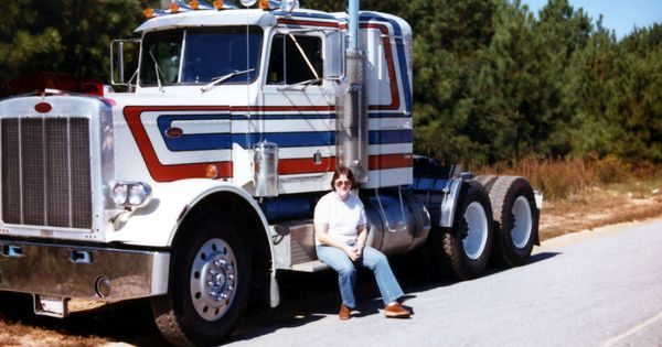 Driving the best looking truck on the road 1976 peterbuilt patriot
