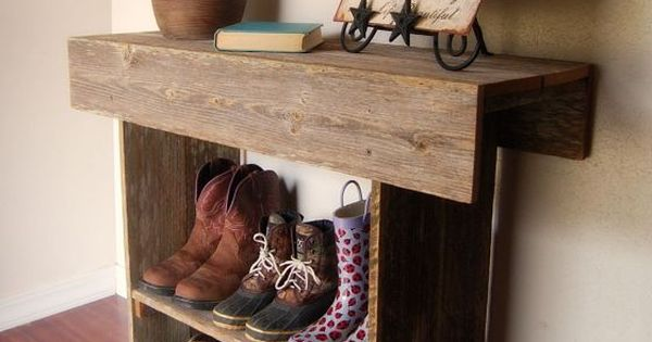 shoe rack - Love reclaimed wood projects, perfect for shoes at the