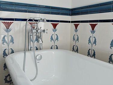 Golem Kunst Und Baukeramik Gmbh Art Nouveau Tiles Decorated Golem Badezimmer Fliesen Im Jugendstil Badezimmer Fliesen