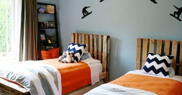 Pallet beds. boys room color scheme.