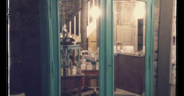l 39 entr e de narnia une armoire ancienne est relook e avec florence chalk paint peinture. Black Bedroom Furniture Sets. Home Design Ideas