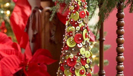 weihnachtsbaum selber basteln kn pfe stecknadeln. Black Bedroom Furniture Sets. Home Design Ideas