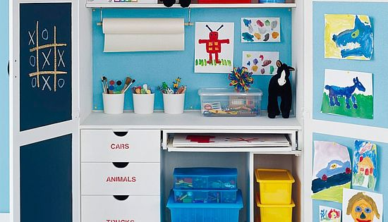 Un coin activit s manuelles dans une chambre d 39 enfant organisation chambre d 39 enfants for Organisation chambre enfant