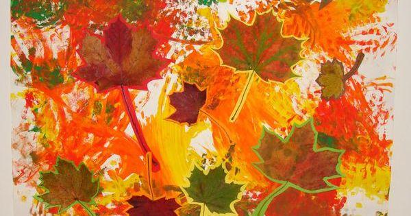 tableau d 39 automne avec les feuilles ramass es en balade activit s manuelles pour cr che ou. Black Bedroom Furniture Sets. Home Design Ideas
