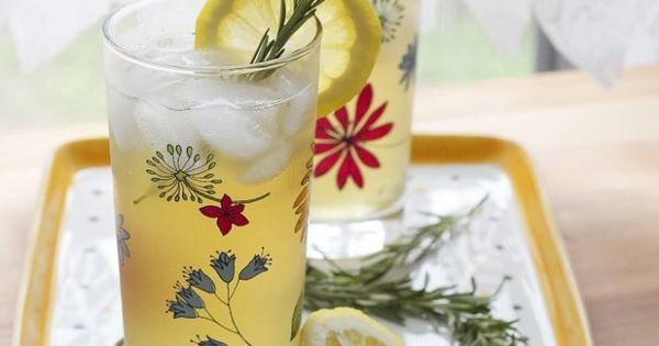 HONEY GREEN TEA AND ROSEMARY REFRESHER | Drinks | Pinterest | Green ...