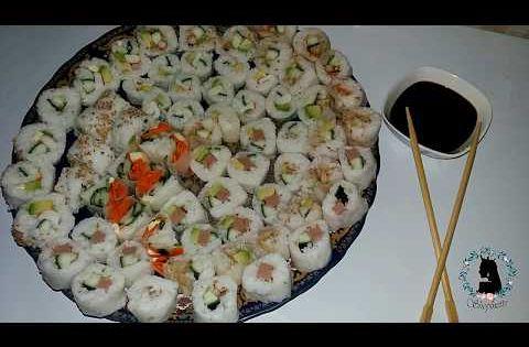 أول تجربة لتحضير السوشي بدون أدوات وبدون ورق النوري Sushis Sans Algues Et Sans Ustensiles Pro Youtube Food Healthy Recipes Recipes