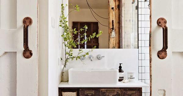 Mais quelle salle de bain originale et tr s d co esprit for Tendance decoration porte