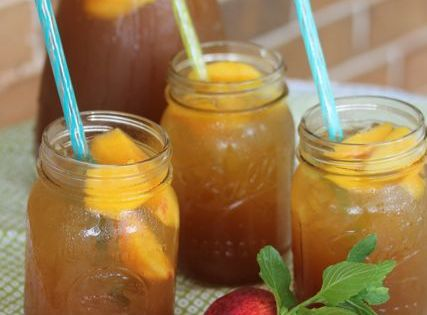 Southern Peach Tea Fizz! Perfect summer drink.
