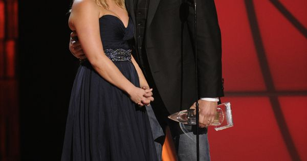 Miranda Lambert and Blake Shelton are no doubt the cutest couple!!!