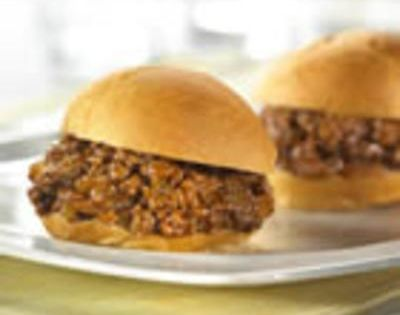 Classic Sloppy Joes Ingredients 1 tablespoon vegetable oil 1 small onion, chopped