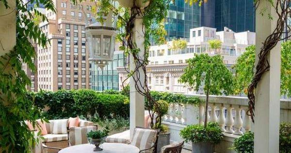 d corer la pergola de plantes grimpantes sur la terrasse. Black Bedroom Furniture Sets. Home Design Ideas