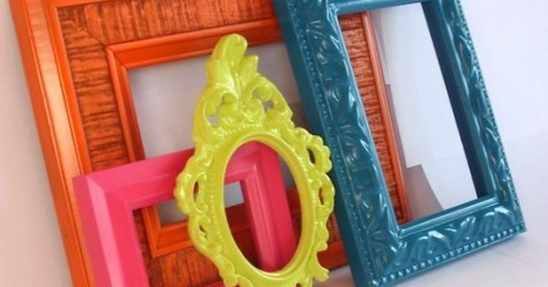 DIY Painted Frames - turn garage sale found frames from drab to