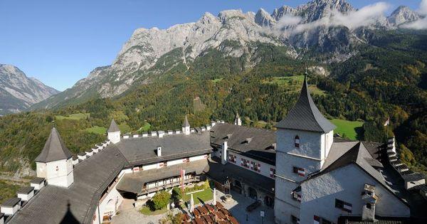 Photos Burg Salzburg : Pictures Burg Hohenwerfen ...