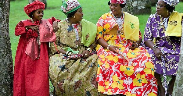 Creole women in Kotomisi dress in paramaribo (Suriname ...