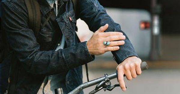 30 Awesome Gifts For Tech Obsessed Cyclists Smart Jackets
