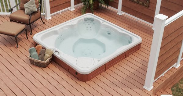 Deck With Privacy Screen In Virginia. Hot Tub In The Deck