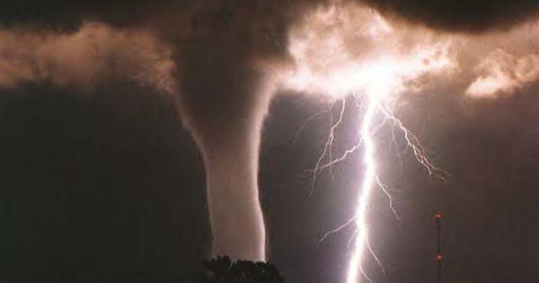 Tornado - The original unedited picture..