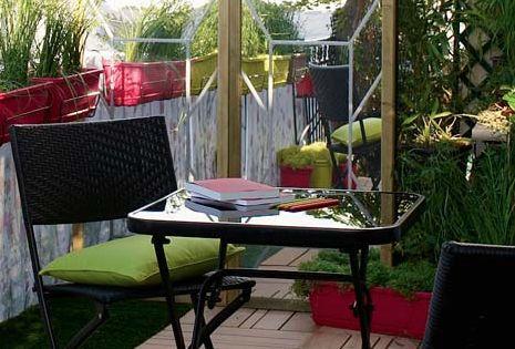 Id es d co pour un balcon ou une terrasse intime rouleau for Table exterieur gazon