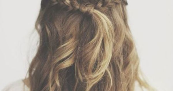 Cute hairstyle for medium length hair