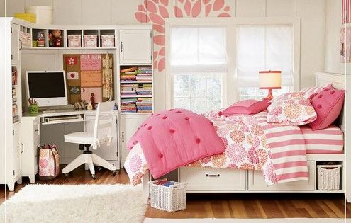 Cute teen girl bedroom- I like the corner desk!