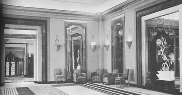 How chic was the lounge at claridge 39 s hotel c 1930 for 1930s hotel decor