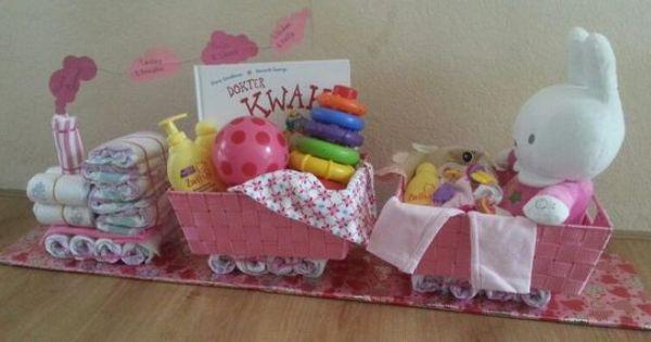Luiertrein leuk alternatief voor de luiertaart al kraamkado geboorte kado meisje cedeau baby - Baby meisje idee ...