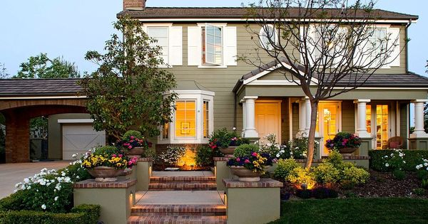 Oaks of calabasas by new millennium homes exterior colors for Home exterior design consultant