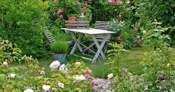 Un coin romantique dans votre jardin  Pièces de monnaie