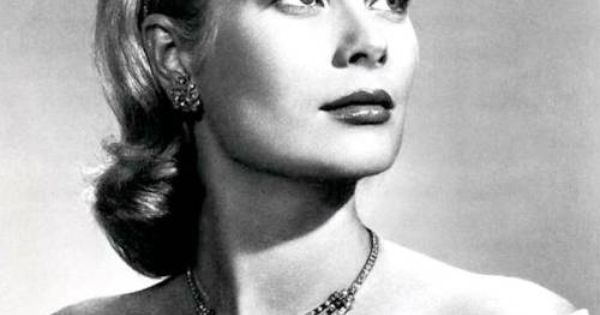 Grace Kelly, Princess of Monaco. I am enthralled by this gorgeous tiara.
