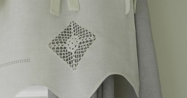 pour cacher le coffre du volet roulant rideaux embrasses pinterest volet roulant volets. Black Bedroom Furniture Sets. Home Design Ideas