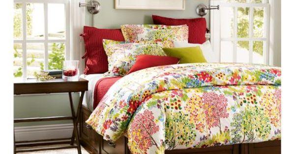 Cute bedroom ideas... Lamps, side table...
