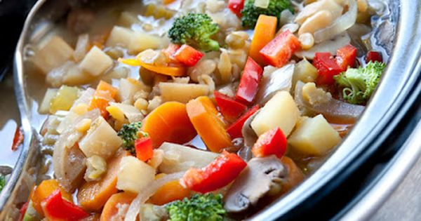 ishouldbemoppingthefloor: 20 Slow Cooker Soups, wintermeals, crockpot, slowcooker, soup Crock Pot Recipe