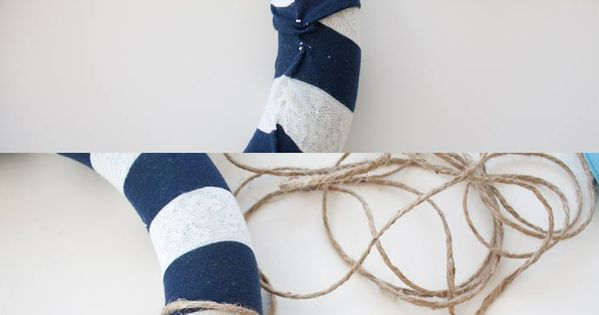 DIY Wreath Nautical Decor from Making the World Cuter. This is so